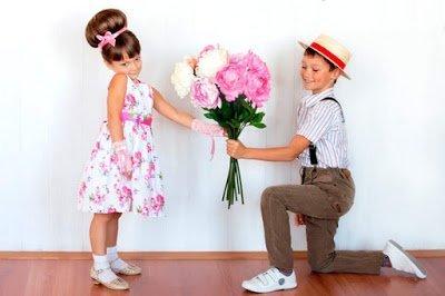 Скоро праздник у девчонок! — детские частушки на 8 марта